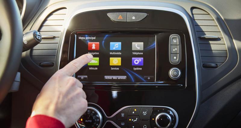 Le combiné multimédia R-Link du Captur Initiale Paris adopte Android Auto