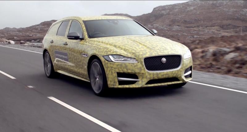 La future Jaguar XF Sportbrake se camoufle en balle de tennis géante