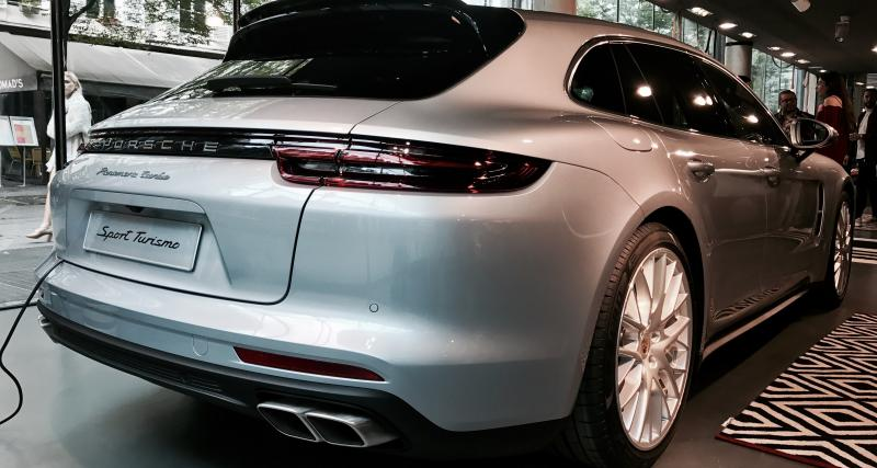 La Porsche Panamera Sport Turismo fait son avant-première dans des stores éphémères