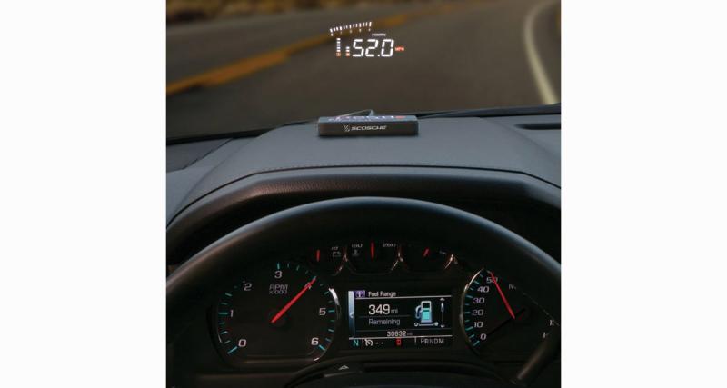 Scosche commercialise un afficheur tête haute compatible avec la plupart des voitures récentes