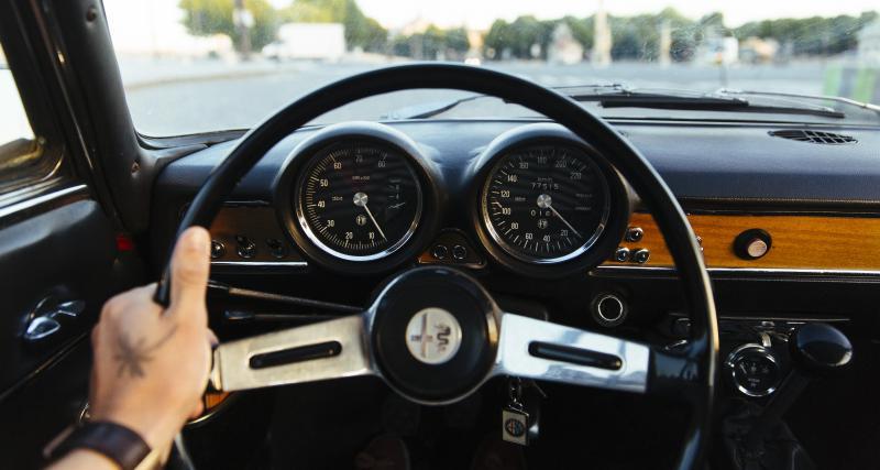 Louez une voiture ancienne le temps d'un week-end avec Roadstr