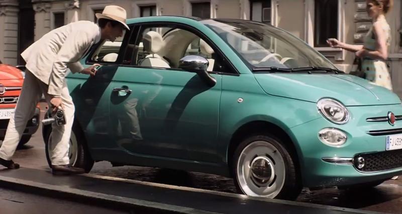 Adrien Brody traverse le temps pour fêter les 60 ans de la FIAT 500