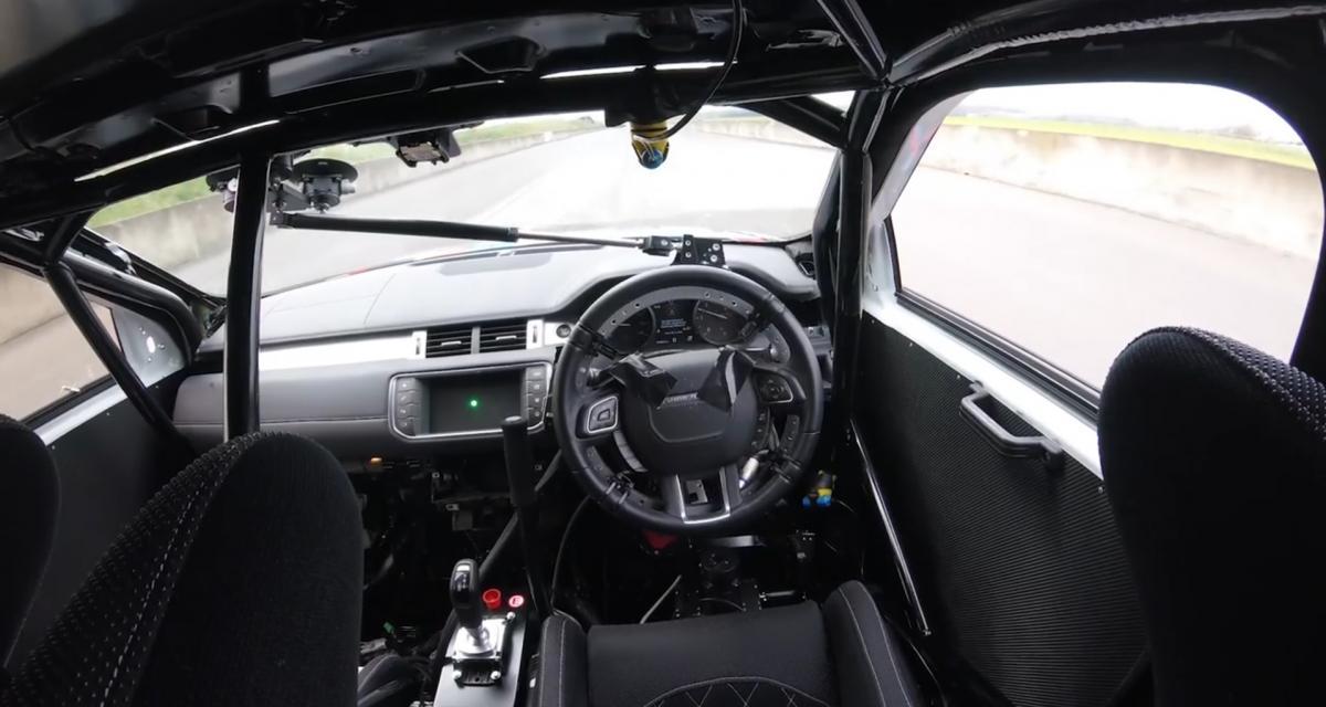 Le tonneau du Jaguar E-Pace mis au point grâce à un pilote automatique
