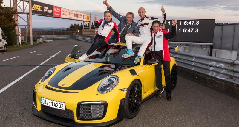Le pilote d'essai Porsche à l'origine du record