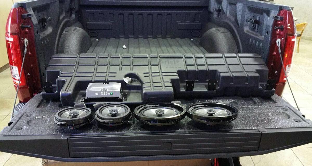 JBL commercialise un système hi-fi « plug and play » pour le Ford F150
