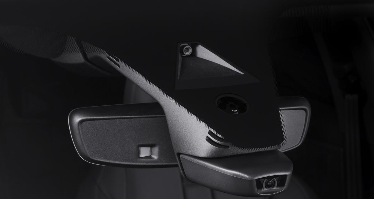 ds7 crossback garmin connected cam. Black Bedroom Furniture Sets. Home Design Ideas