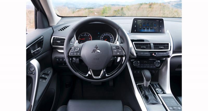 Un système multimédia avec touch pad et CarPlay sur la Mitsubishi Eclipse Cross