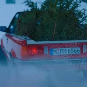 BMW nous souhaite un joyeux Noël grâce à l'unique M3 E30 pick-up