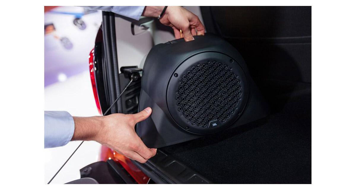 La Smart Fortwo peut recevoir un système hi-fi JBL avec un caisson de grave astucieux
