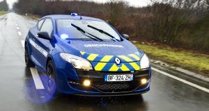 Poursuivi par la Mégane RS des gendarmes, son moteur casse