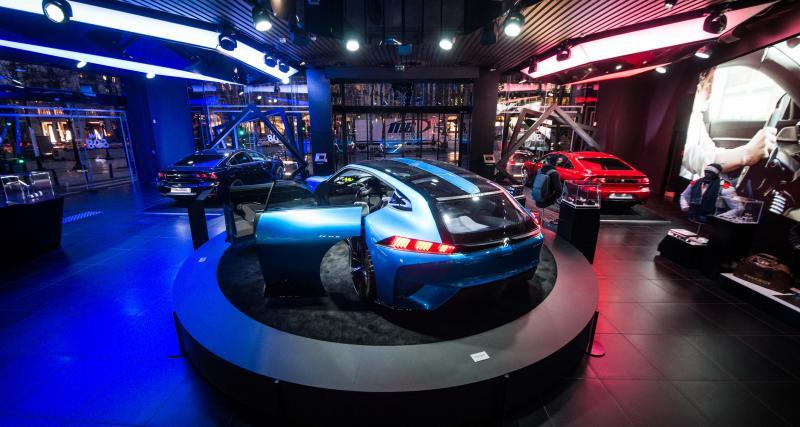 Le concept Instinct toujours au Peugeot Avenue