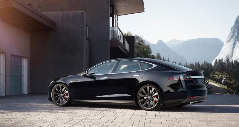 Tesla Model S : 123 000 voitures rappelées dans le monde