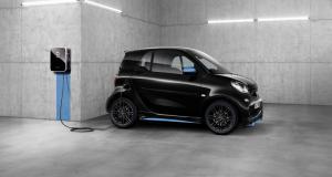 Mercedes : les électriques deviennent des cartes bancaires pour recharger