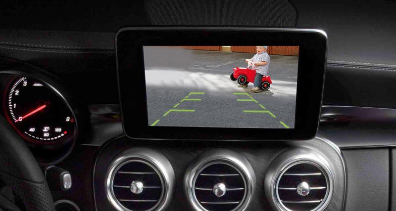 Mela commercialise une interface pour rajouter des caméras sur l'autoradio NTG5 des Mercedes
