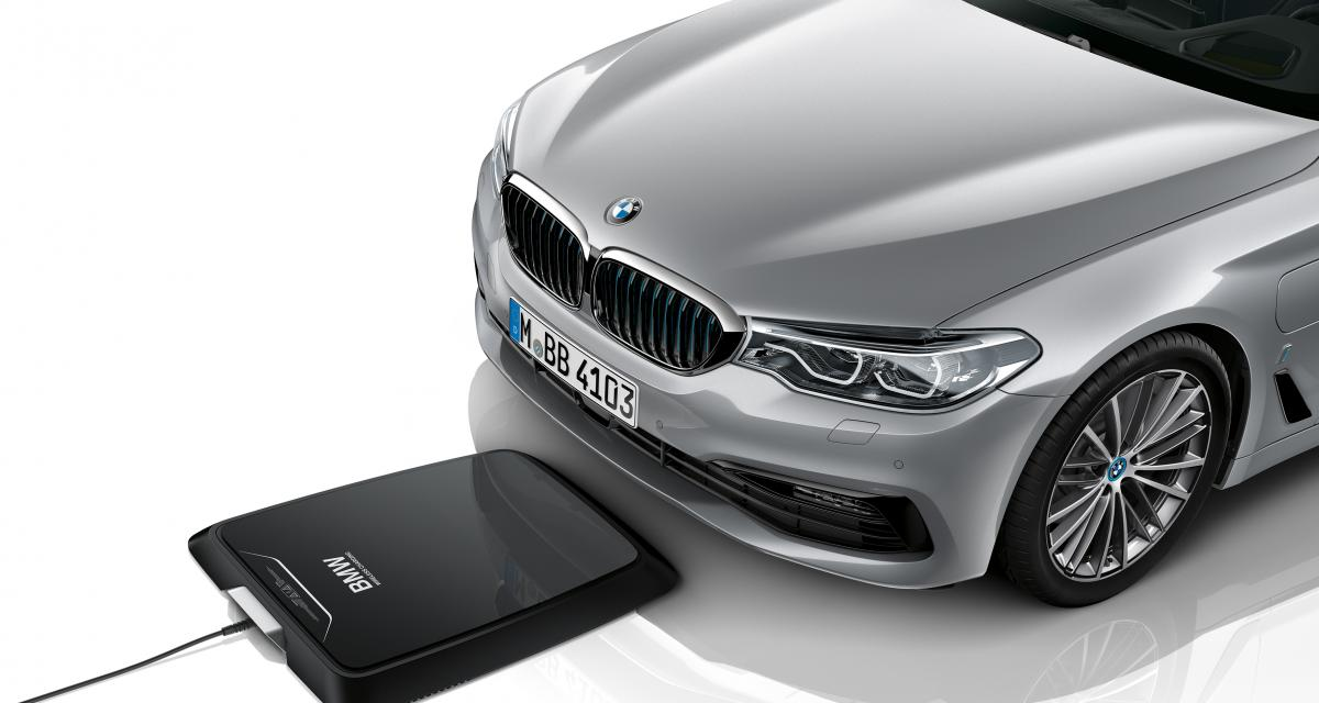bmw s rie 5 le chargeur induction disponible. Black Bedroom Furniture Sets. Home Design Ideas