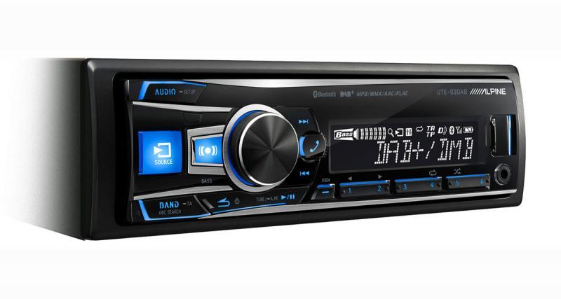 Alpine Electronics présente un nouvel autoradio numérique avec des fonctions très complètes