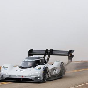Pikes Peak : Dumas bat le record de Loeb en électrique