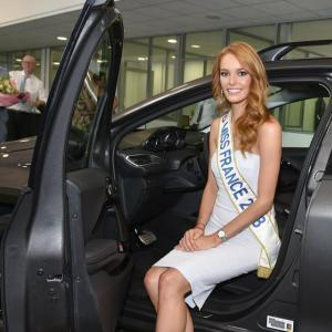 Miss France 2018 roulera en Peugeot 2008 : les photos de Maëva Coucke