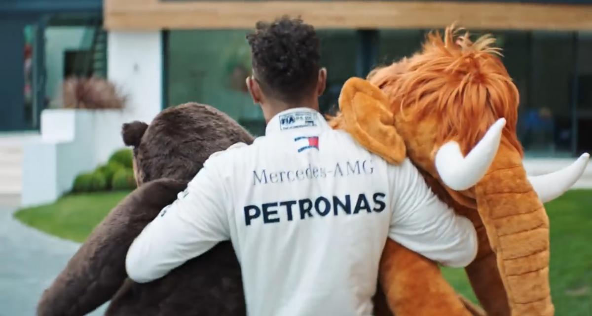 Mercedes-AMG GT Coupé 4 portes : Hamilton joue au marchand de jouets