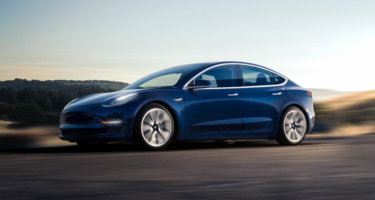 La grande première de la Tesla Model 3 au Mondial de l'Auto