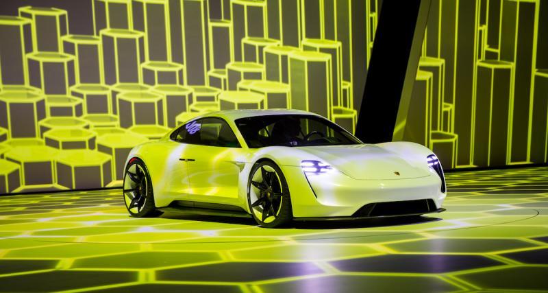 Des hybrides, des électriques et encore un peu d'essence
