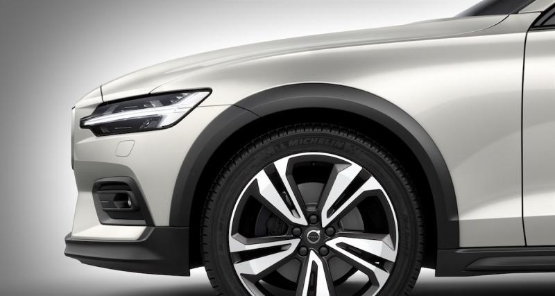Le V60 Cross Country joue les baroudeurs — Volvo