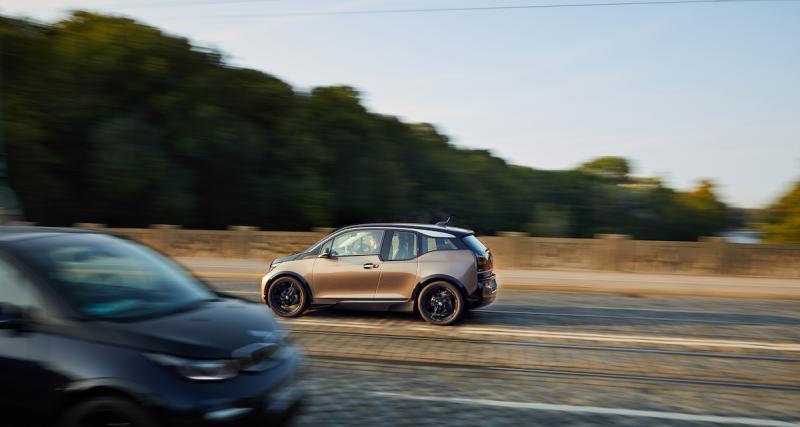 BMW i3 120 Ah : une batterie de 42 kWh pour afficher 360 km