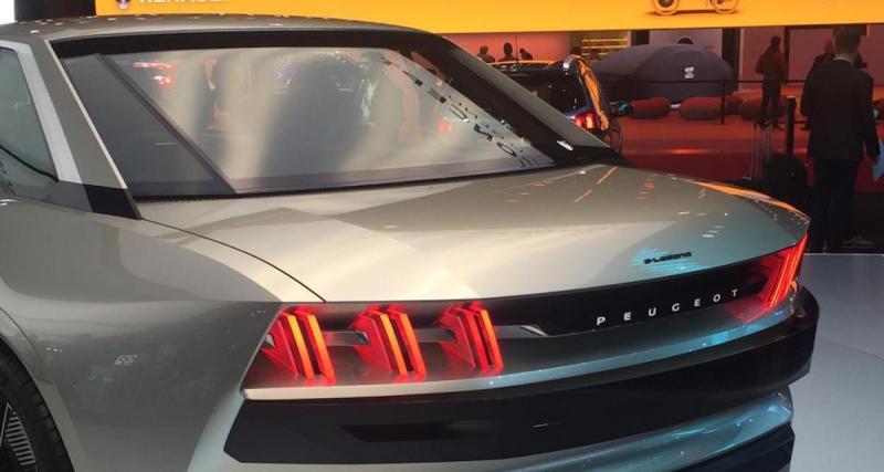 463 chevaux électriques, 16 écrans