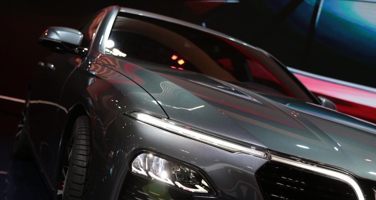 Mondial de l'Auto: les deux modèles du stand Vinfast en photos et vidéo