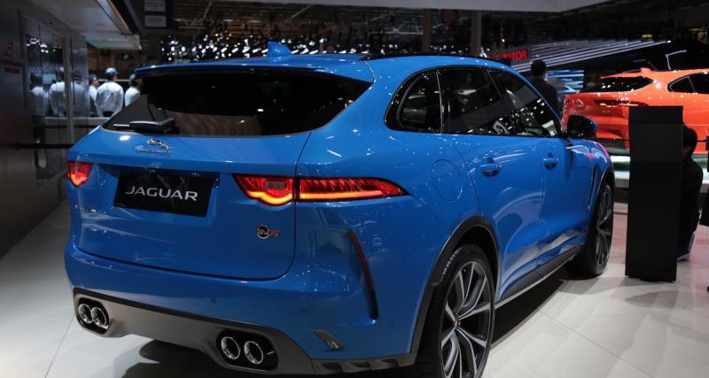 La Jaguar F-Pace SVRau Mondial de l'Auto 2018 : un SUV sort ses griffes