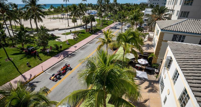 Max Verstappen se rend à Miami avec sa F1 Red Bull