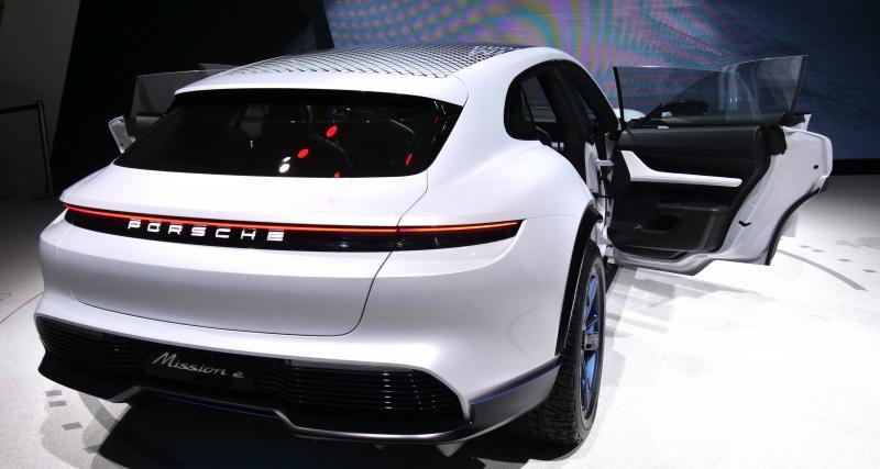 Porsche : le Mission E Cross Turismo sera produit