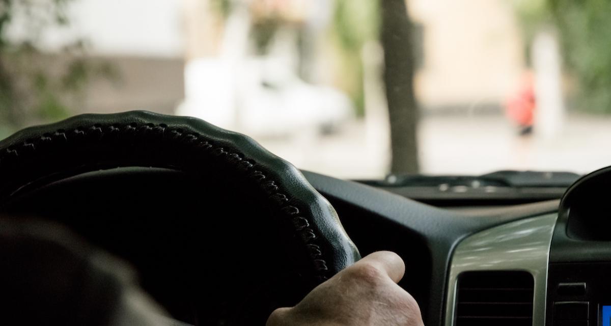 Il passe le permis de conduire alors qu'il conduisait déjà