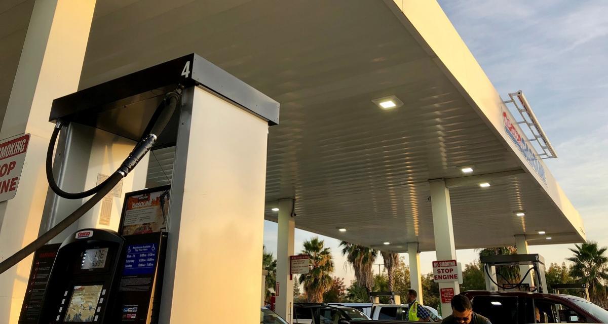 Hausse des taxes sur l'essence : Bruno Le Maire enfonce le clou