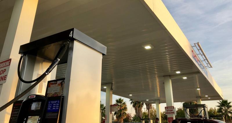 Hausse du prix de l'essence : les patrons, botte secrète de Macron