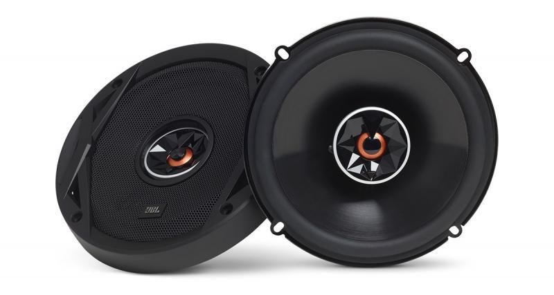 Le son JBL dans un coaxial facile à installer et accessible
