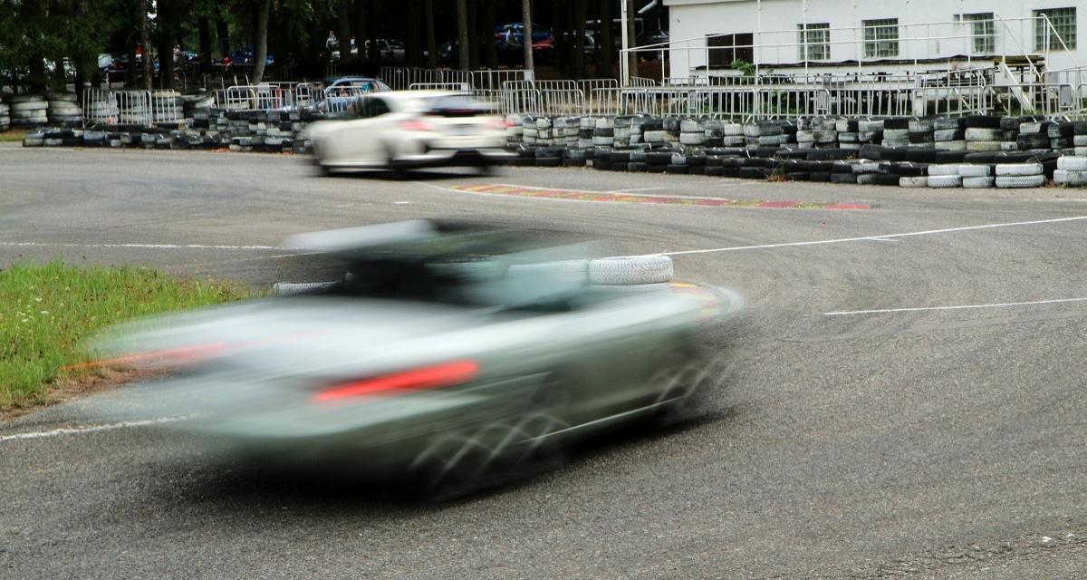 Rodéo entre une GTC4 Lusso et une Série 3 : une course qui finit mal