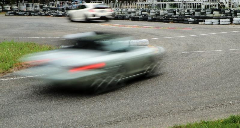Un homme d'affaires arrêté en Porsche à 208 km/h