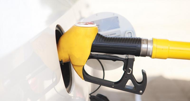 Un chèque-carburant de 100 € à La Réunion