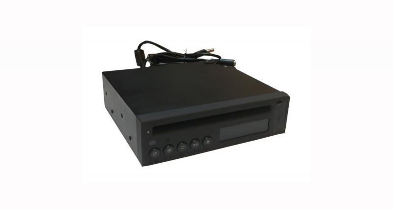 AIS commercialise un lecteur CD compatible avec la plupart des autoradios d'origine