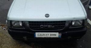 Plaques Gilles et John: ils ont joué et ont perdu...
