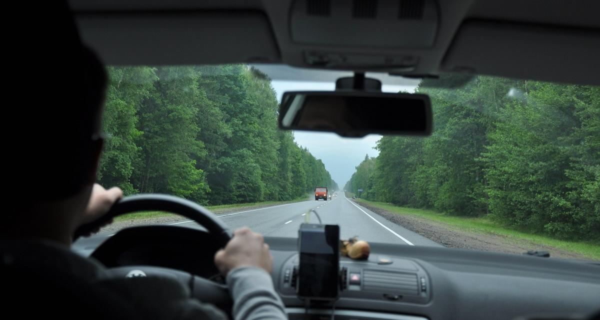 Flashé à 184 km/h sur une départementale, il tente de s'enfuir
