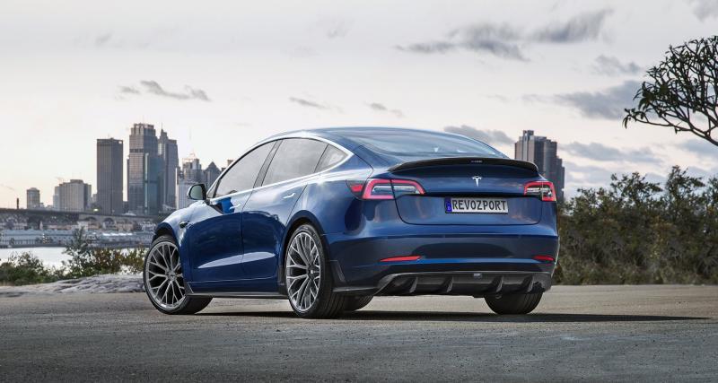 RevoZport propose un kit carrosserie sur la Model 3 pour 5 000 euros !