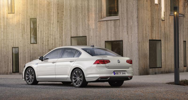 Volkswagen Passat GTE restylée : la version hybride rechargeable en quatre points