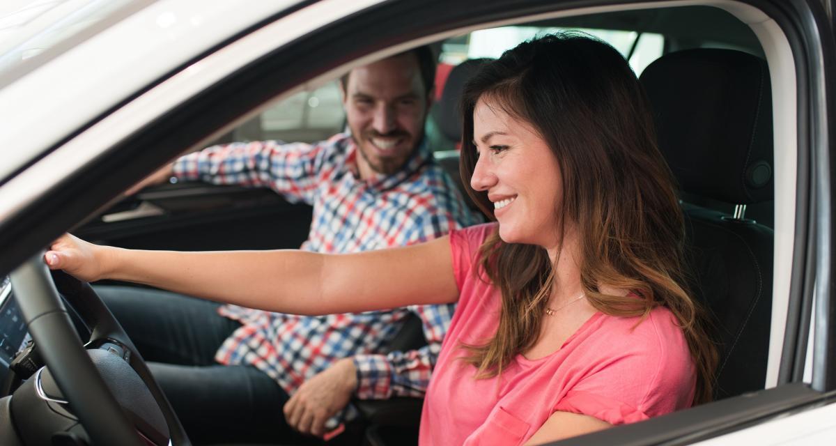 Permis de conduire à 17 ans : l'idée fait son chemin