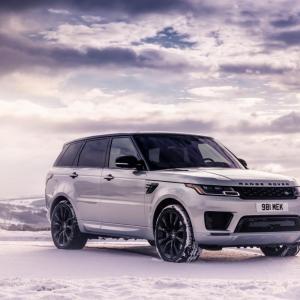 Range Rover Sport HST : le SUV de luxe reçoit un bloc hybride