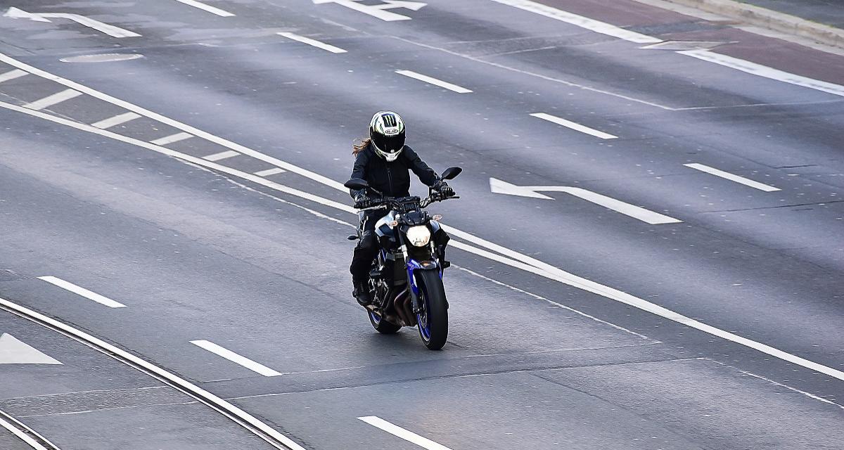 Flashé à 217 km/h au guidon de sa Honda VFR sur une route départementale
