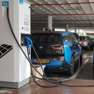 Voiture électriqueen 2030: la révolution est en marche