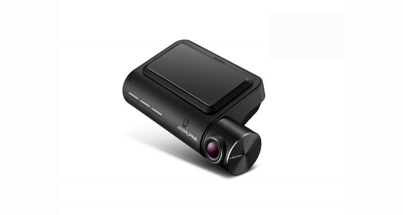 Alpine commercialise une caméra DVR avec aides à la conduite offrant un bon rapport qualité/prix