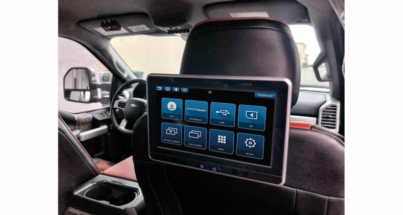 Un pack écrans arrière avec contrôle Smartphone chez Rosen